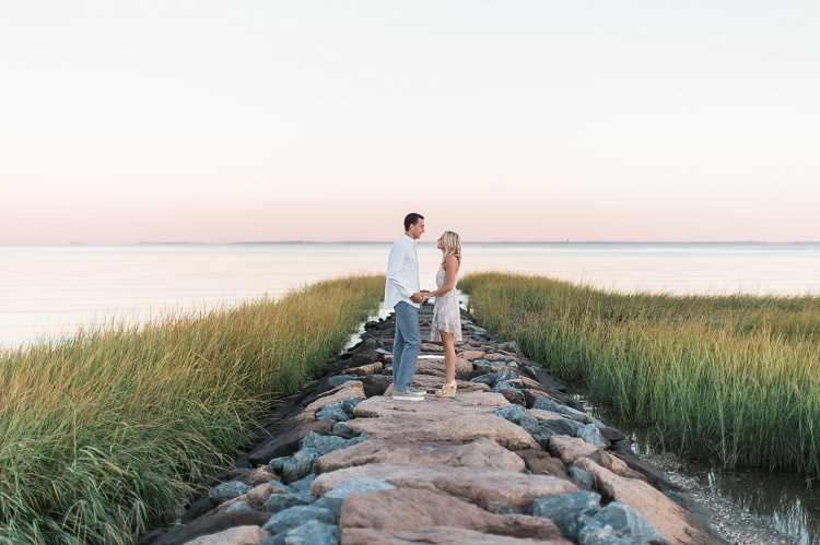 pequot_yacht_club_southport_beach_stylish_classic_romantic_engagement-photos