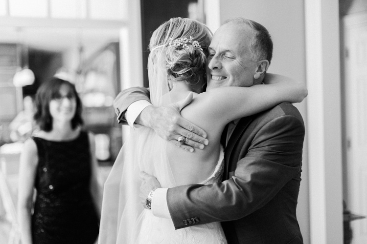 country_club_of_darien_soft_romantic_wedding_photography
