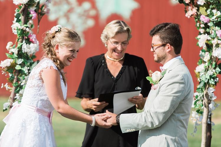 rosedale_farm_and_vineyard_simsbury_ct_romantic_modern_wedding_photos
