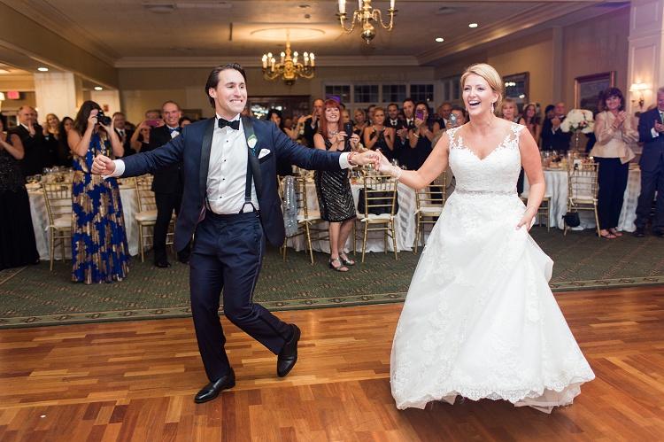 he_hartford_golf_club_west_hartford_ct_romantic_elegeant_timeless_wedding_photos